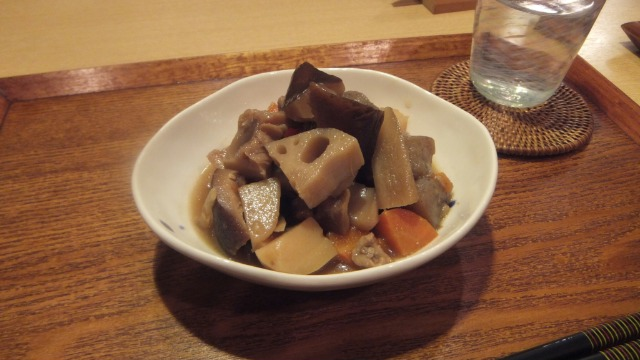 鶏肉と根菜たっぷりの煮物